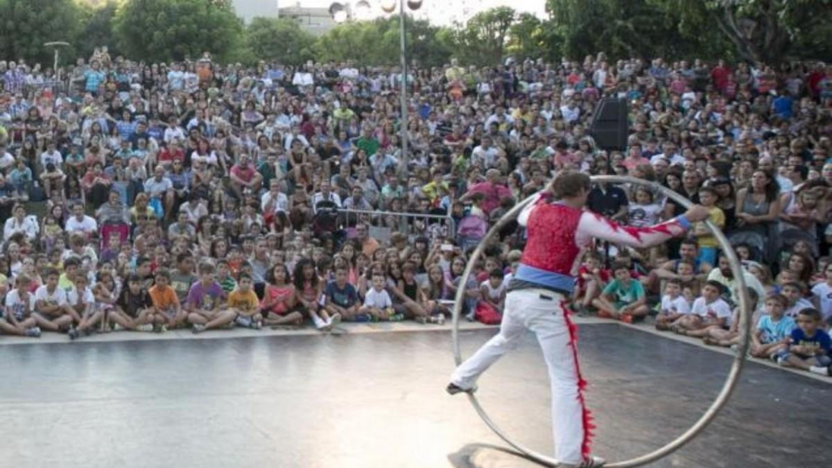 El Teatre al Carrer de Viladecans no se celebrará en las fechas previstas, viladecans noticias