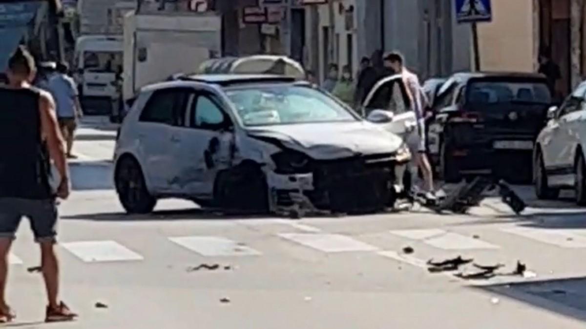 Espectacular accidente de coche en la carretera de Viladecans _ Gavà con fuga, viladecans noticias, noticias viladecans