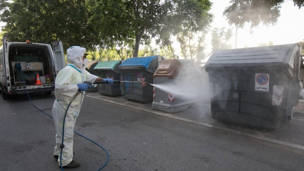 Viladecans refuerza la desinfección del espacio público y la recogida de residuos , viladecans noticias, noticias viladecans