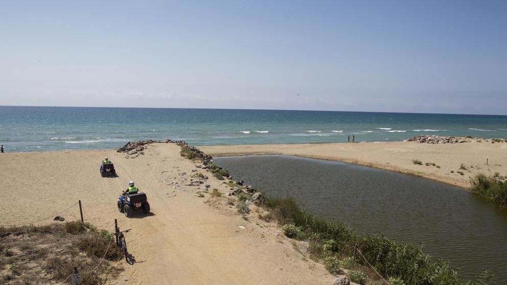 Vertidos residuales en la playa de Viladecans - Viladecans News