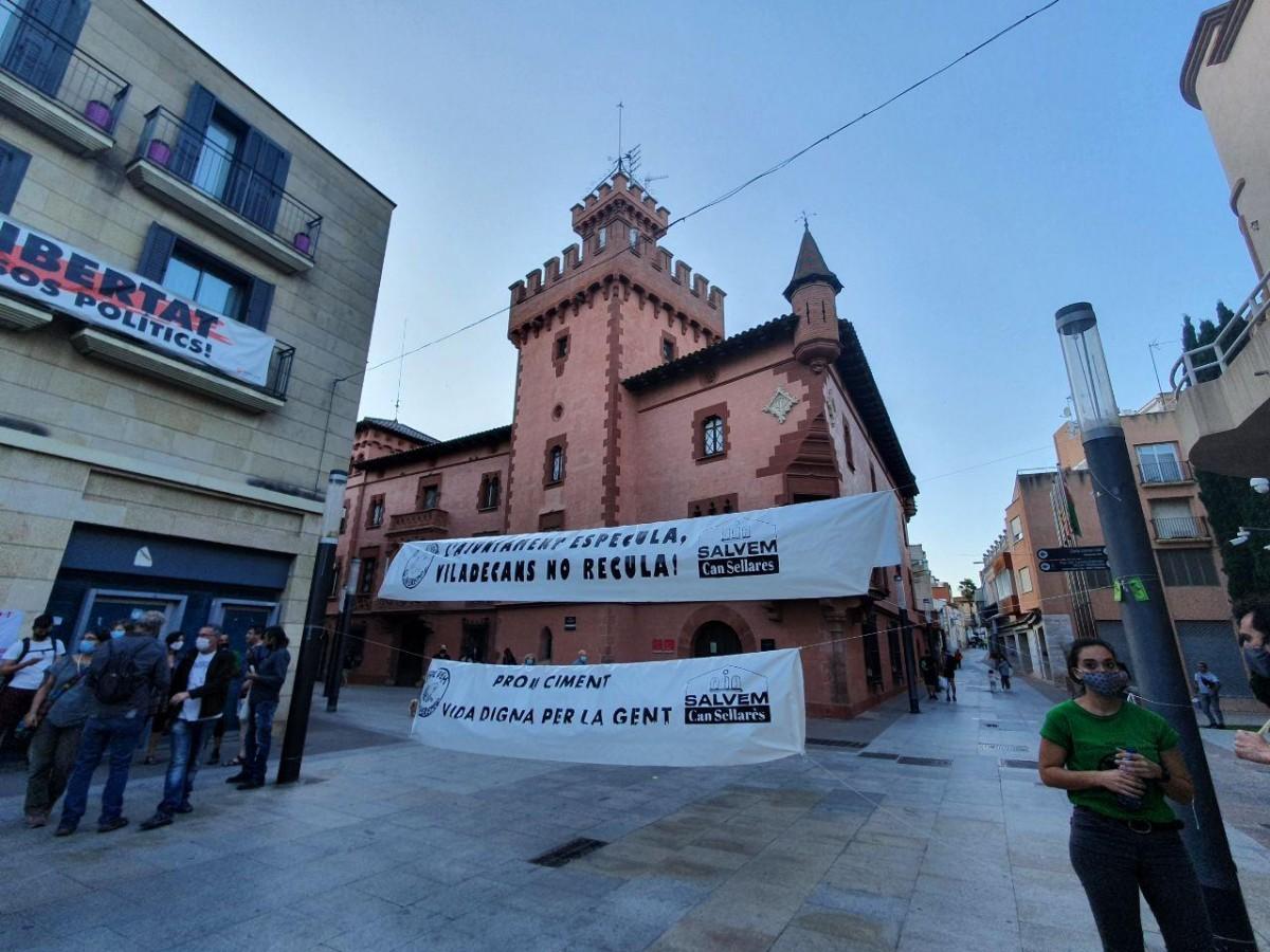 Salvem oliveretes, concentración contra el barri de llevant, viladecans noticias, noticias viladecans
