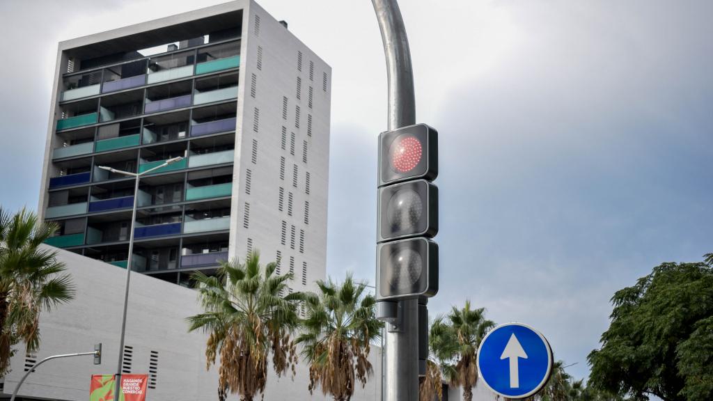 Los semáforos de la calle Segle XXI - Viladecans News