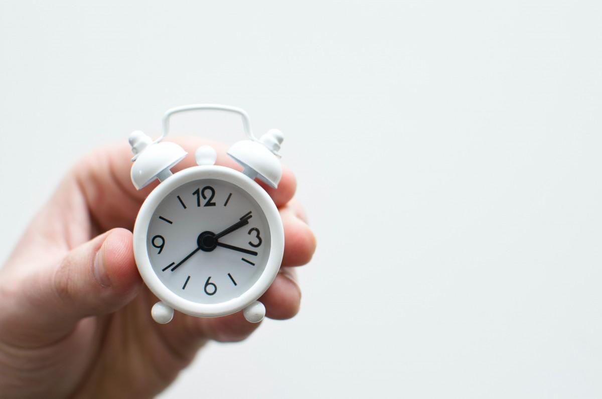 Domingo toca retrasar los relojes, viladecans noticias, noticias viladecans, viladecans news