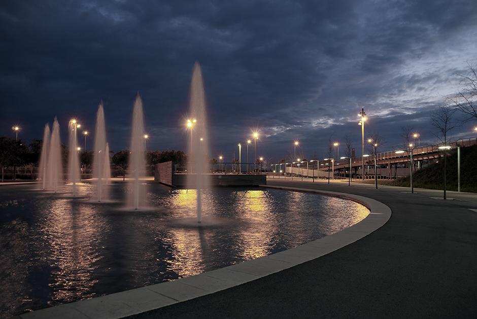parque del Vilamarina en el lago pequeño - Viladecans News
